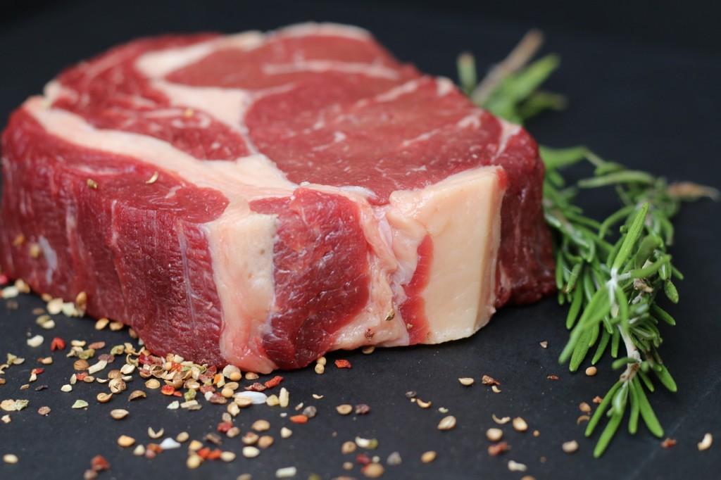 鉄分を多く含む食材について ステーキ肉の写真